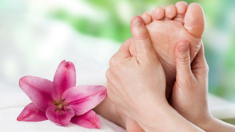 Reflexology : Rejuvenates Your Foot